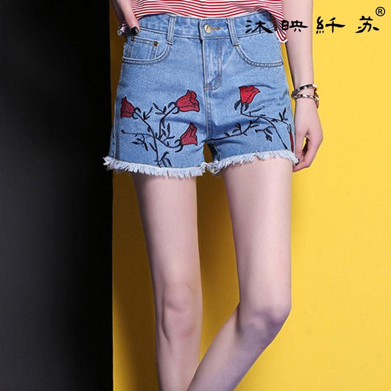 玫瑰刺绣花边女式牛仔裤潮流范蓝色中腰短裤收腹提臀WM566