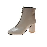 2019年新款亮皮马丁靴女鞋秋冬季女靴尖头漆皮短靴女粗跟秋款靴子