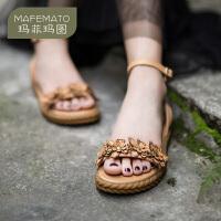 【下单立享7折】玛菲玛图原创女鞋手工花朵设计露趾性感简约一字带平底真皮凉鞋2018-13