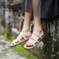 玛菲玛图凉拖鞋女夏外穿2020新款时尚百搭花朵平底凉鞋ins网红复古沙滩鞋0316-1