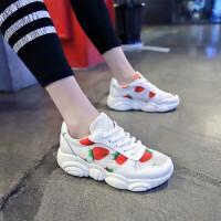 草莓运动鞋女韩版2019夏季新款休闲鞋女透气小熊鞋女学生小白鞋