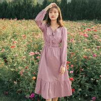 茵曼�B衣裙收腰�@瘦�赓|2021年春季新款蕾�zV�I�L袖粉色中�L裙子【F1811434】