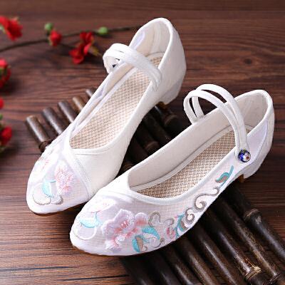 老北京布鞋女绣花鞋民族风平底夏季白色单鞋学生透气网纱绣花鞋女 乳白色 芙纱白色