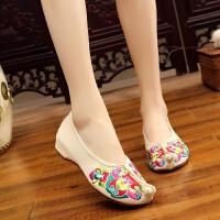 新款复古坡跟老北京布鞋中式汉服民族风绣花鞋牛筋底广场舞女单鞋