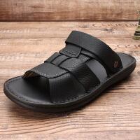 男士真皮凉鞋夏季2019新款软底防滑爸爸沙滩鞋休闲室外凉拖鞋