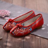 绣花鞋女结婚新娘鞋复古民族风布鞋老北京布鞋女红色秀禾鞋平底 芍药红色 芍药
