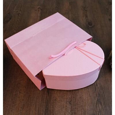 韩式情人节爱心礼盒桃心形节日生日礼品盒口红巧克力包装盒子 +纯粉纸袋+粉碎纸 发货周期:一般在付款后2-90天左右发货,具体发货时间请以与客服协商的时间为准