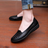 新款平底中老年妈妈鞋单鞋休闲皮鞋女鞋春夏镂空皮凉鞋女透气工作