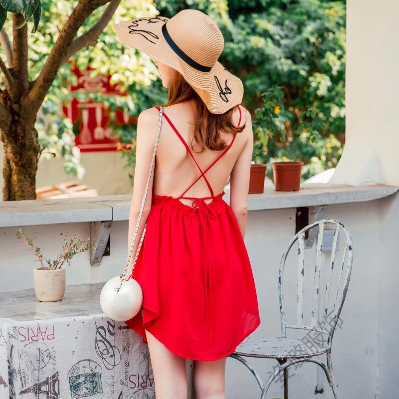 露背沙滩短裙性感红色吊带夏季波西米亚海滩海边度假连衣裙 红色 发货周期:一般在付款后2-90天左右发货,具体发货时间请以与客服协商的时间为准