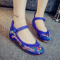 老北京布鞋女绣花鞋民族风牛筋底坡跟汉服搭配鞋子妈妈广场舞蹈鞋