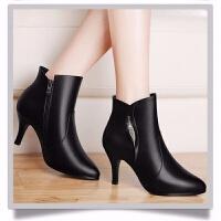 2019秋冬季女靴新款英伦风女中跟短靴尖头高跟鞋细跟冬季女士靴子