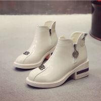 韩版春季新款漆皮方跟高跟鞋及踝靴马丁靴机车靴短靴平底鞋女鞋潮 白色 收藏店铺优先发货