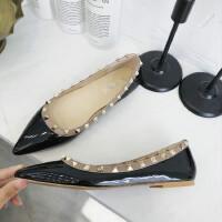 尖头单鞋女浅口平跟鞋韩版学生鞋子女2019新款女鞋铆钉船鞋