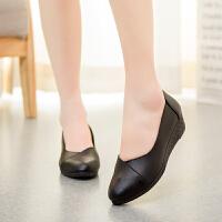 春季妈妈鞋单鞋中年软底坡跟鞋舒适妈妈鞋休闲皮鞋工作鞋女鞋