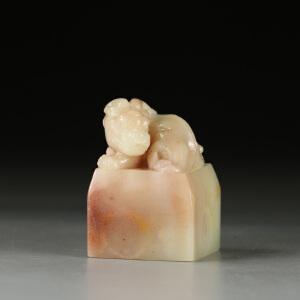 寿山巧色芙蓉石 精雕古兽呈祥印章 p3214