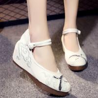 新款老北京布鞋女坡跟古风绣花鞋民族风女鞋内增高跟古装汉服鞋子