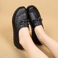 春秋季妈妈鞋单鞋软底平底奶奶鞋老人鞋舒适工作中老年女皮鞋