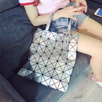 日本镭射包新款女包几何菱格手提包单肩包时尚折叠女士包包潮 6*7银色 高端版有拉链
