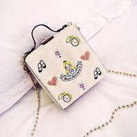 夏季新款女包链条斜挎包时尚刺绣花朵休闲单肩小方包包