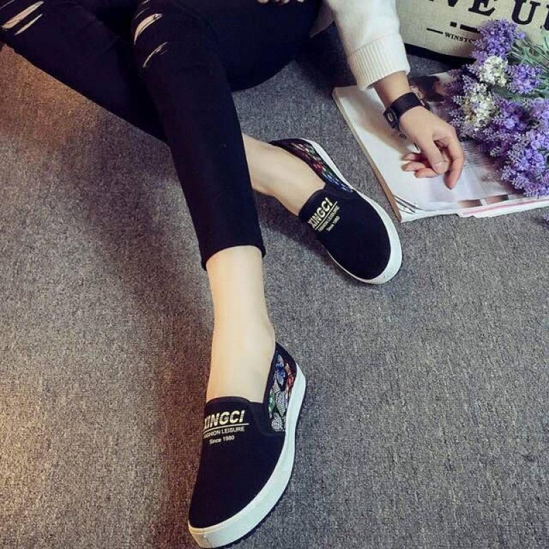 帆布鞋女学生韩版百搭一脚蹬懒人鞋老北京布鞋女休闲女士平底单鞋