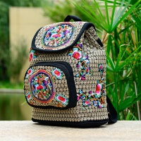 2018新款民族风绣花包包刺绣帆布小孩女士学生书包背包双肩包