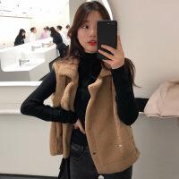2018冬季新款羊羔毛马甲女羊绒背心外套宽松短款坎肩时尚两件套装