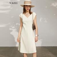 Amii极简气质V领收腰白色连衣裙2021夏季新款修身小黑裙背心裙女