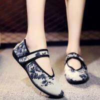 老北京布鞋女中老年鞋软底老人鞋妈妈透气平跟奶奶单鞋舞蹈鞋