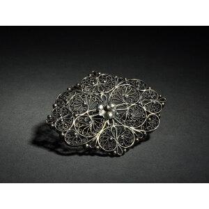 银花卉胸针