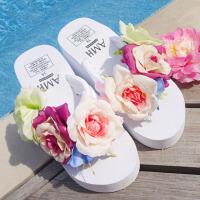 拖鞋 女士海边防滑泡沫凉拖女式度假凉鞋2019夏季新款韩版人字拖花朵坡跟女装沙滩鞋