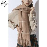 【每满200减100】Lily2018冬新款女装驼咖格纹长方形流苏保暖围巾118419AZ902