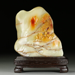 寿山老性三彩芙蓉石 精雕松下雅聚摆件 p3330