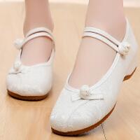 布鞋牛筋软底舞蹈鞋粉色女单鞋内增高偏扣网红汉服古装素面绣花鞋