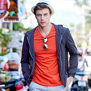 骆驼男装 新品时尚青年连帽收口袖外套纯色薄款夹克衫男