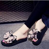 沙滩鞋新款女士一字拖坡跟平底蝴蝶结沙滩拖鞋时尚马尔代夫海边度假旅行