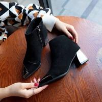 粗跟高跟短靴女2019秋冬款欧美尖头及踝靴磨砂绒面短筒女靴马丁靴