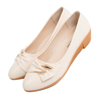 春秋新款妈妈鞋单鞋女坡跟平底女士皮鞋中老年软底舒适粗跟女鞋子