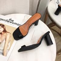 19夏季新款�W�t仙女�L�鲂�PVC�z片方�^露趾粗跟�A趾高跟拖鞋