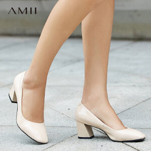 【品牌团 1件7折/2件5折】Amii[极简主义]漆面方形浅口高跟鞋女2017新牛皮革休闲鞋11763804