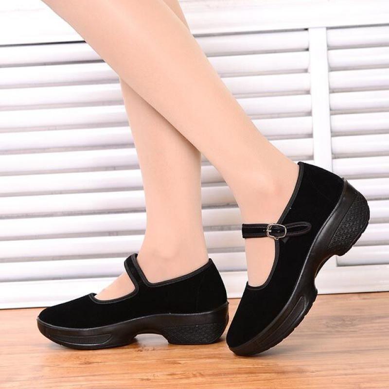 新款老北京舞蹈鞋中高跟广场舞蹈鞋软底女跳舞鞋酒店工作布鞋女鞋