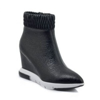 靓步欧洲站秋冬季新款坡跟短靴女百搭厚底尖头时尚皮靴裸靴潮