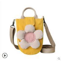 新款ins日系单肩包女冬季帆布少女斜挎包可爱小包包
