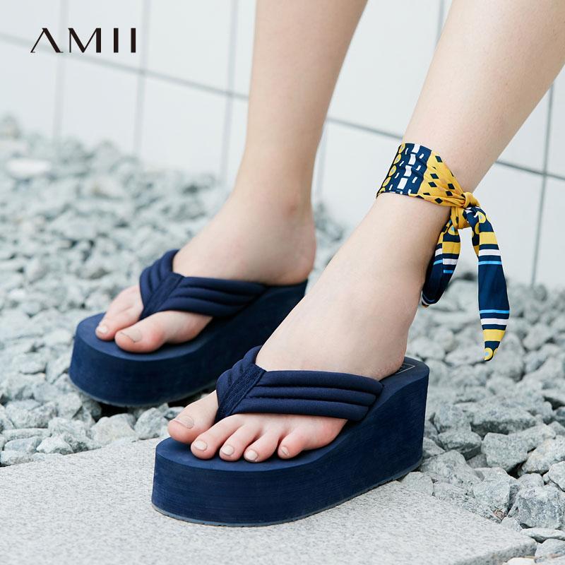 Amii[极简主义]人字拖女防滑室外凉拖鞋厚底坡跟松糕夹脚沙滩鞋人手一件 时尚气质单品