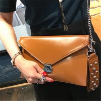 时尚手包韩版女锁扣手拿小包亮面信封包手拎包软皮链条单肩斜跨包