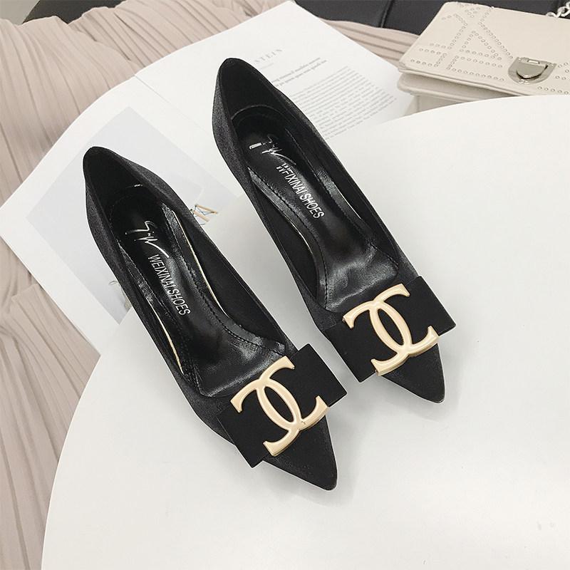 欧美豹纹高跟鞋女2019春季新款性感尖头金属扣黑色职业细跟单鞋女