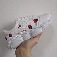 春秋草莓帆布鞋女学生韩版小熊鞋女老爹鞋女运动鞋百搭休闲小白鞋 白色678草莓 皮面