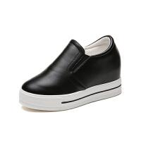 小白鞋�仍龈吲�鞋休�e鞋松糕�涡��n版�\�有�女跑步鞋拍小白鞋女鞋