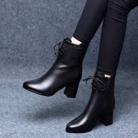 2019秋季新款女式靴子交叉系带圆头平跟纯色欧美英伦风中筒马丁靴