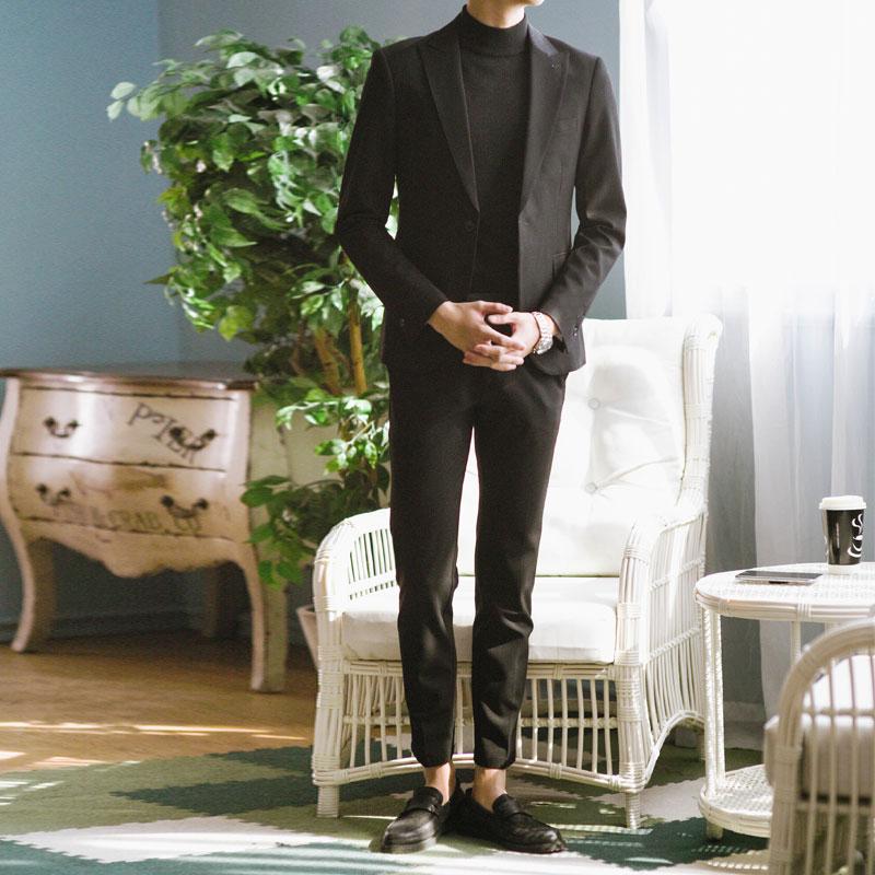 小西装男套装修身韩版英伦风新郎结婚礼服男士休闲帅气西服外套 发货周期:一般在付款后2-90天左右发货,具体发货时间请以与客服协商的时间为准