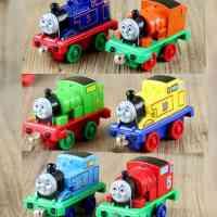 托马斯小火车头车模轨道套装 磁铁磁性链接托马斯和朋友儿童玩具